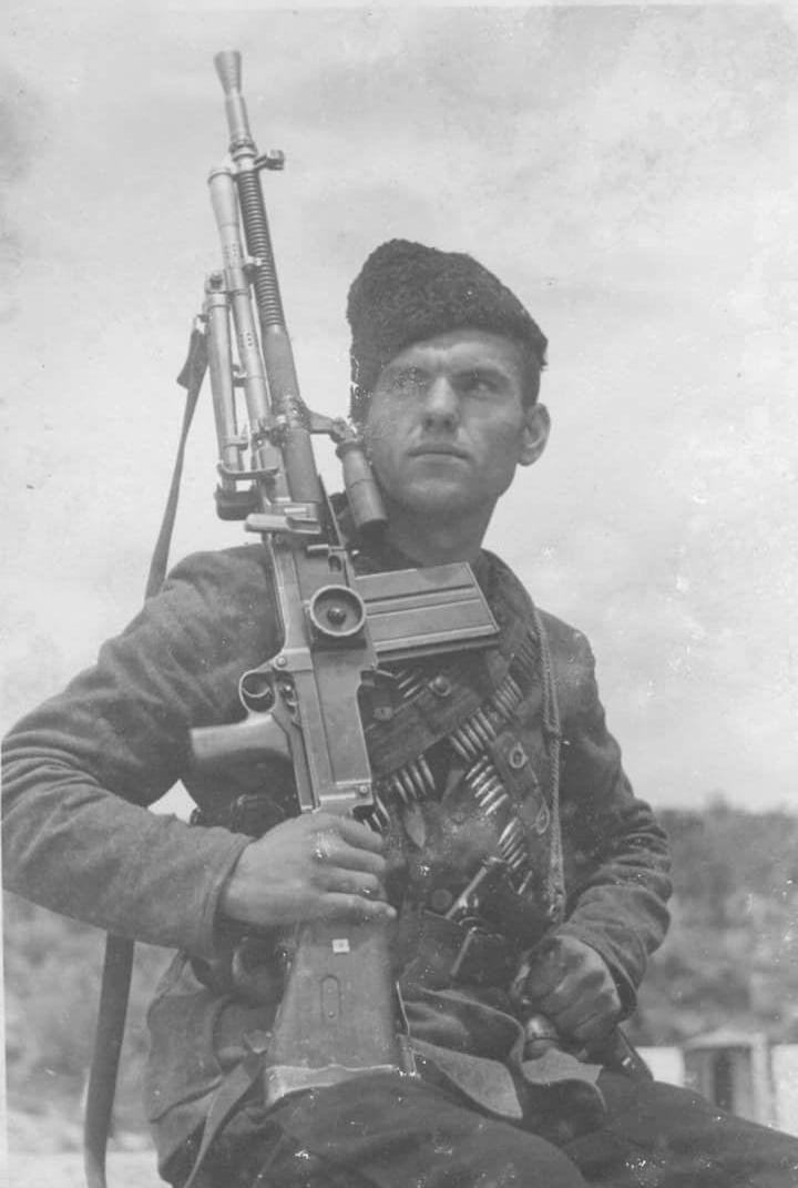 Soldier with machine gun ZB