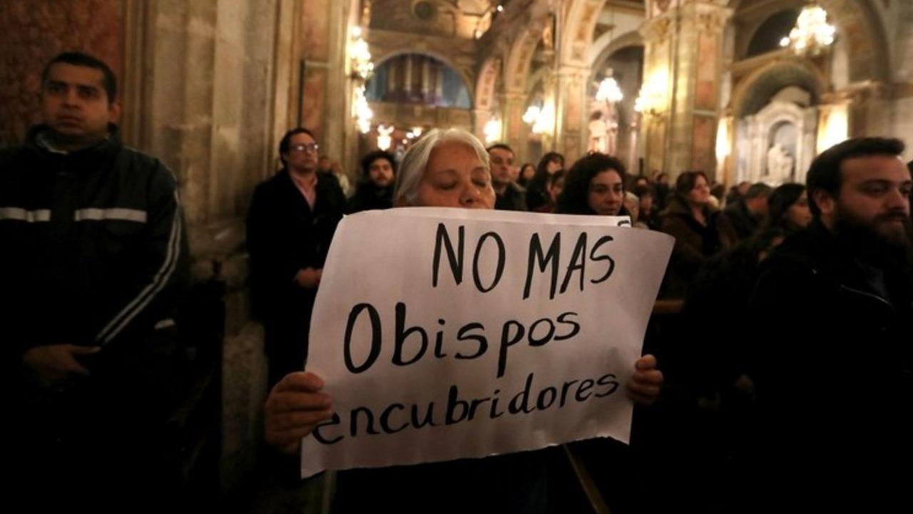 La Cámara de Diputados de Chile aprobó un proyecto de ley que obliga a los clérigos a denunciar abusos