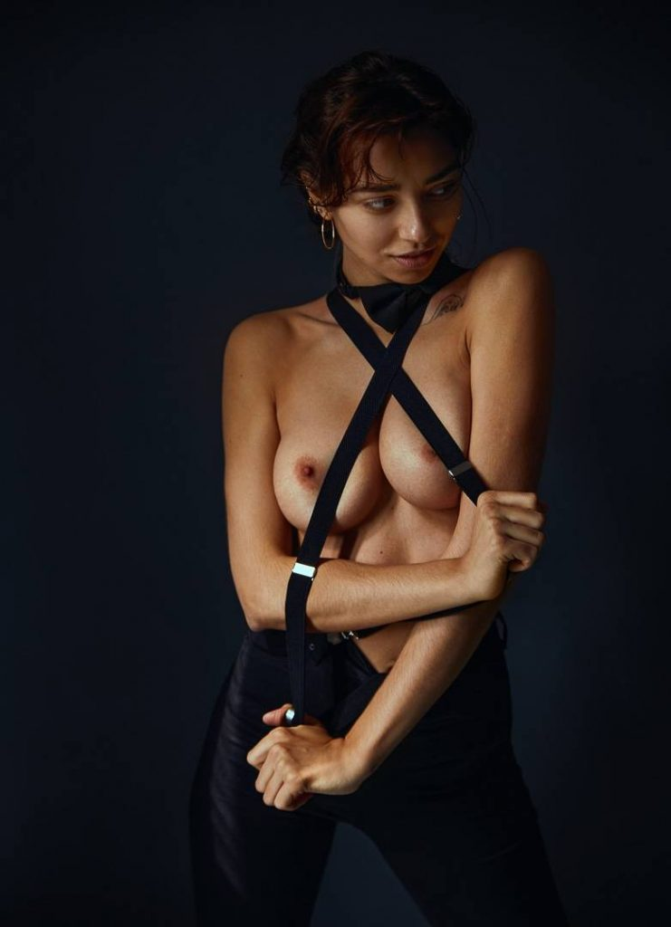 Voyeur-Flash-com-Irina-Lozovaya-nude-6-741x1024