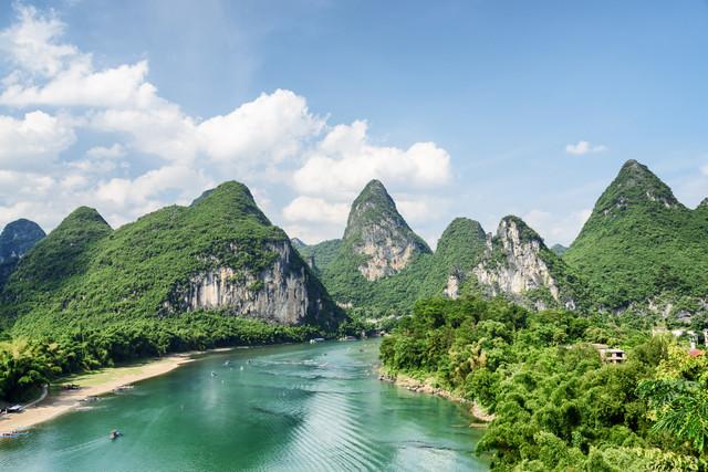 Scenic-Zhangjiajie-Grand-Canyon-Plus-Tianmen-Cave-Lijiang-River