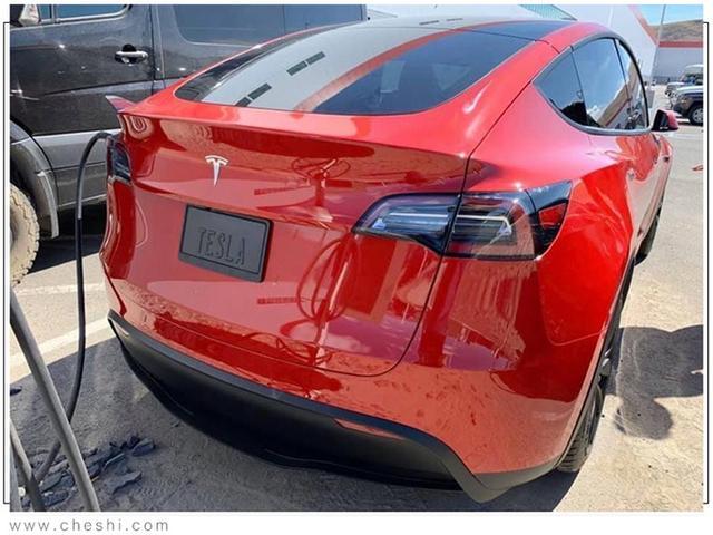 Tesla Model Y (2019) 61