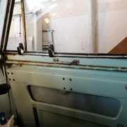 Door cleaning - offside interior