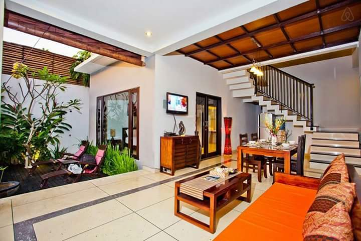 HOLIDAY VILLA : 2 BEDROOMS PRIVATE VILLA IN SEMINYAK - BALI