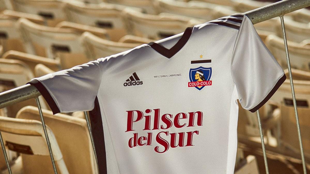 [Imagen: Camiseta-Colo-Colo-30-Anos-Copa-Libertadores.jpg]