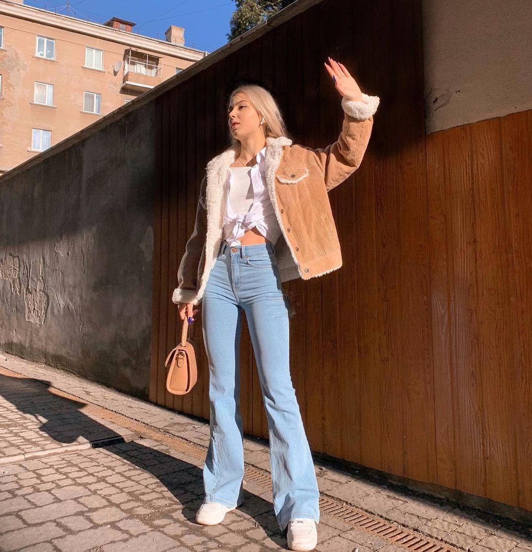 Maria-Holdishuk-Wallpapers-Insta-Fit-Bio-7