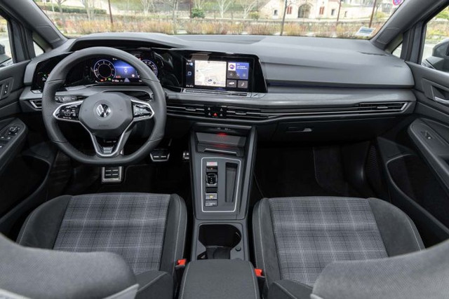 2020 - [Volkswagen] Golf VIII - Page 25 64494-B68-B5-C6-4-C5-E-BA3-E-989-B4-ECF78-F1