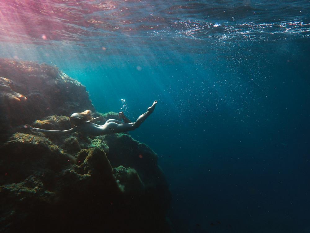 nyu-pod-vodoy-fotograf-Keyt-Bellm 10