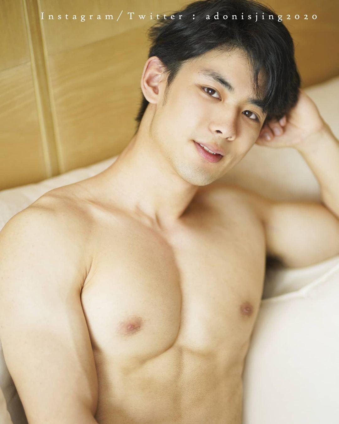 Adonis Jing, hotboy thiên thần body lực lưỡng cực phẩm!