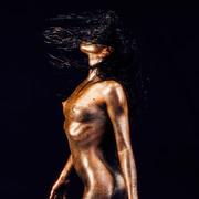 Chiara-Bianchino-Glitter-Girl-by-Hannes-Windrath-11