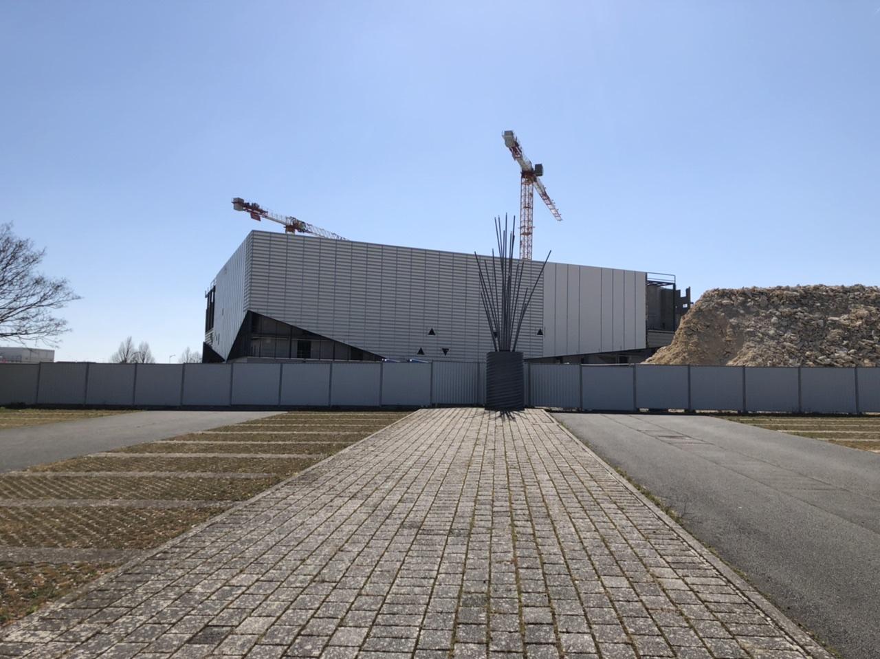 « Arena Futuroscope » grande salle de spectacles et de sports · 2022 - Page 17 F51-E2-B00-07-D3-4-ACB-B9-FD-5-C47-E9-CA03-AB