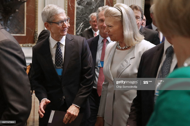 WASHINGTON-DC-JUNE-19-Apple-CEO-Tim-Cook-L-and-IBM-CEO-Ginni-Rometty-attend-the-inaugural-meeting-of.jpg