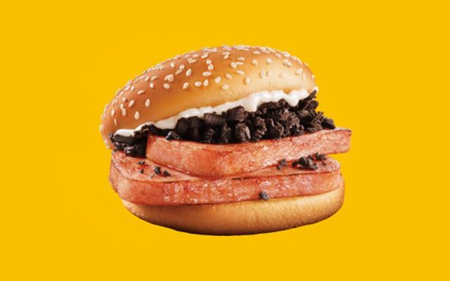 mcdonalds-china-spam-oreo-burger-main-a5c77021-376e-4052-8136-53fb2d6bd609