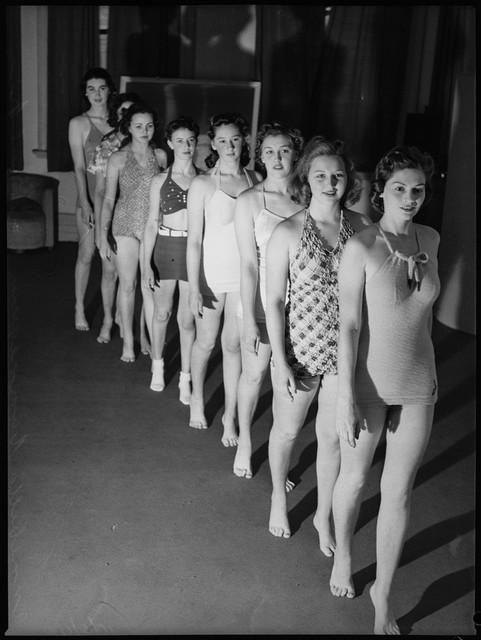 School-of-mannequins-Australia-1940-8
