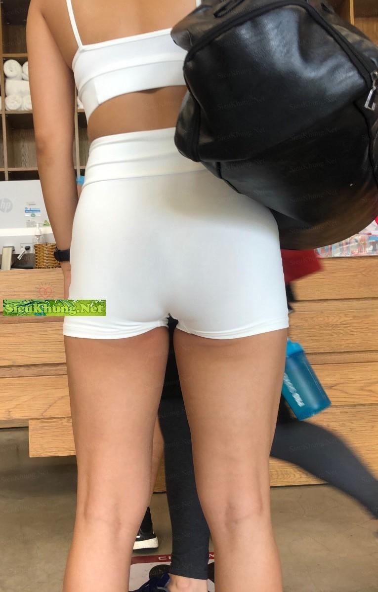 sieukhungnet-den-phong-gym-chi-de-ngam-cac-muer-9