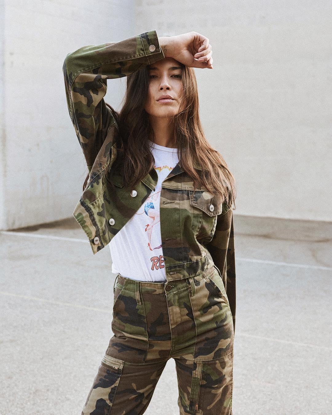 Jessica-Gomes-Wallpapers-Insta-Fit-Bio-2