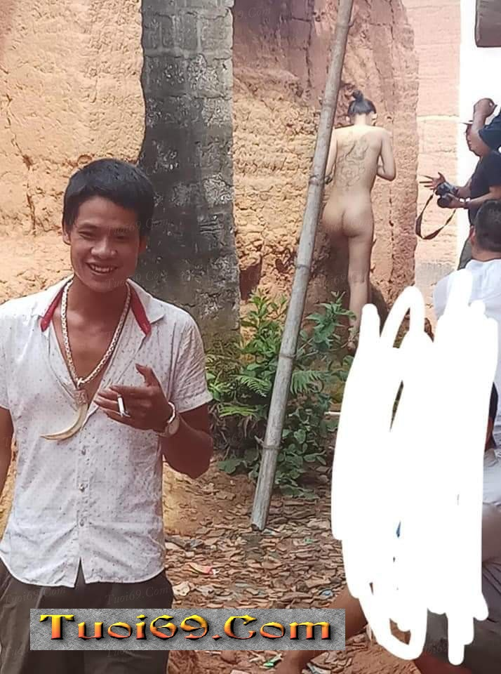 Thanh niên manh động nhất năm, Cố gắng xem chùa khi gái xinh chụp hình Nude =))