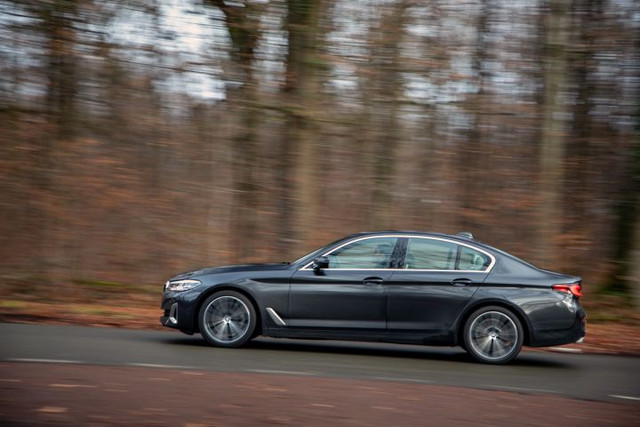 2020 - [BMW] Série 5 restylée [G30] - Page 11 117-ED0-B0-9-BB8-41-E4-990-A-551-B33-E27-FAB