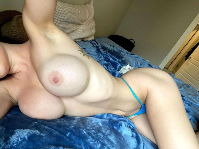 Fit-Naked-Girls-com-Livi-Mawie-nude-5-1536x1152
