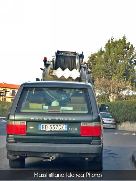avvistamenti auto storiche - Pagina 2 Land-Rover-Range-Rover-HSE-4-6-218cv-99-BD557-GK-243-254-24-4-2018-2