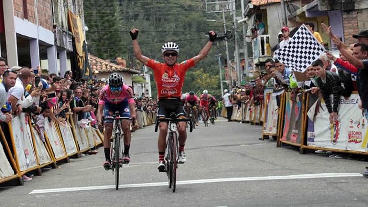 Yonathan Monsalve ganó la cuarta etapa de la Vuelta al Táchira 2019