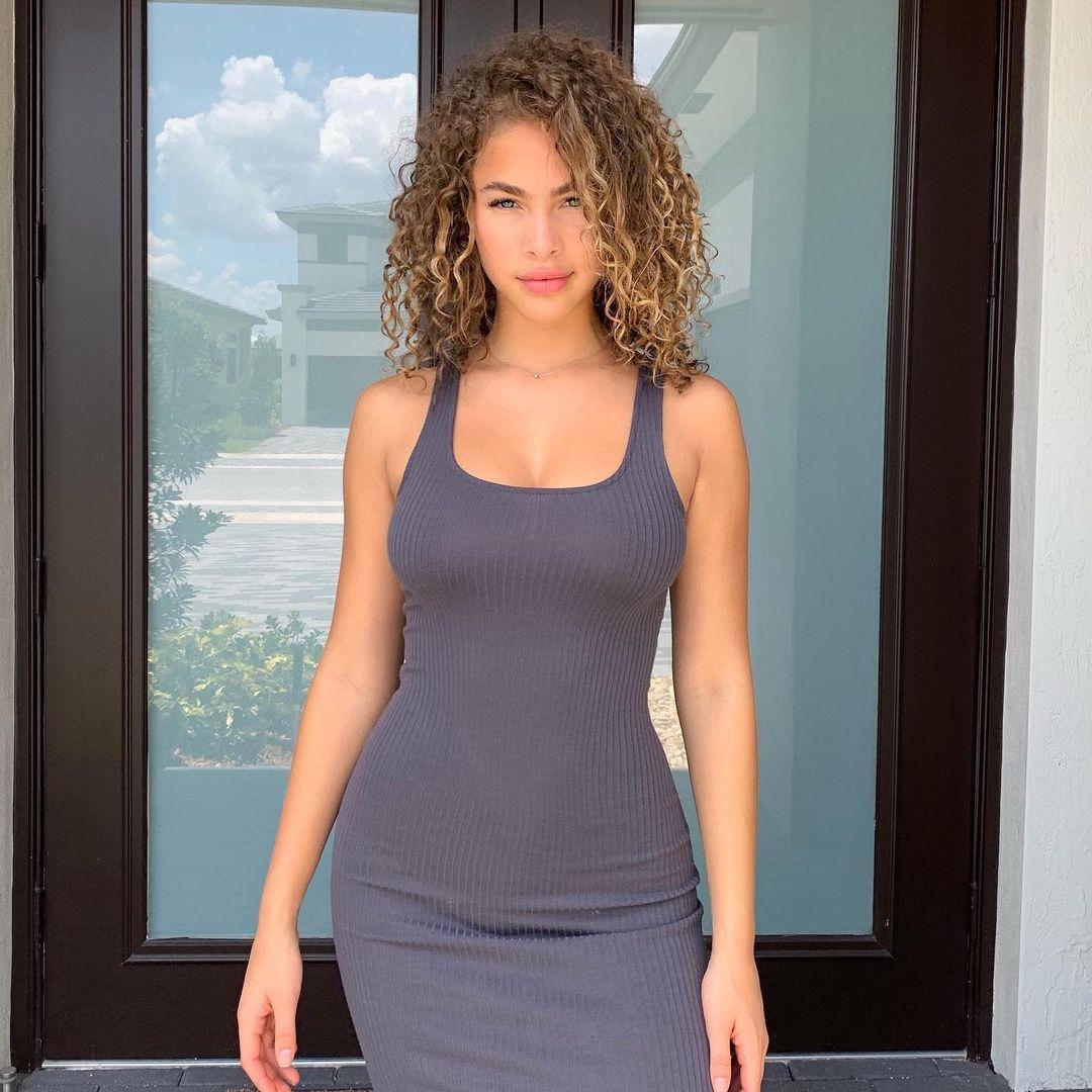 Camila-Kendra-3