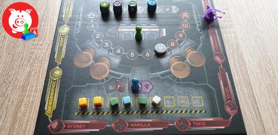 De groene speler kan het afval met twee reduceren en de blauwe speler kan de voorraad droppen.