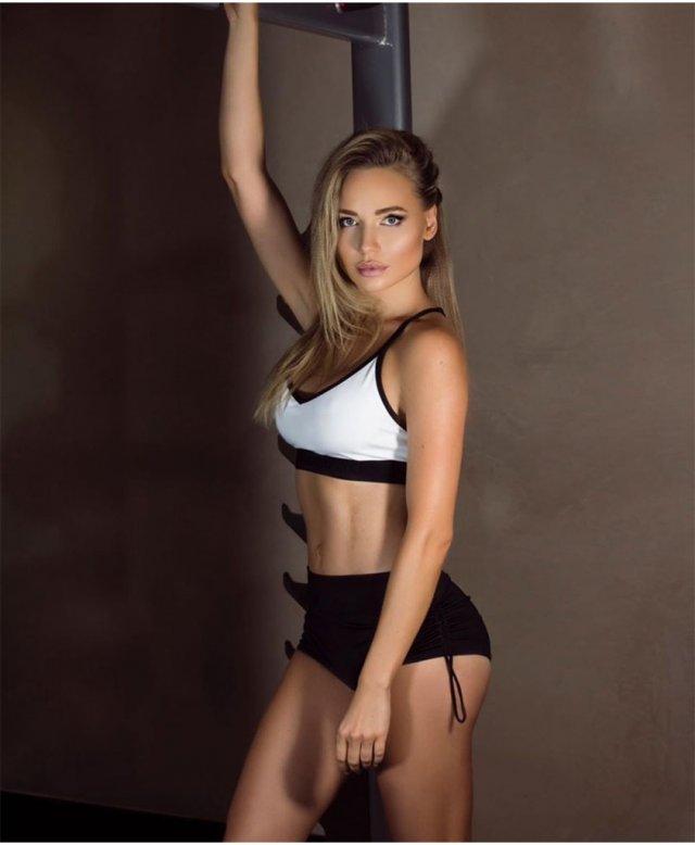 Николь Ковальчук – супруга хоккеиста сборной России Ильи Ковальчука