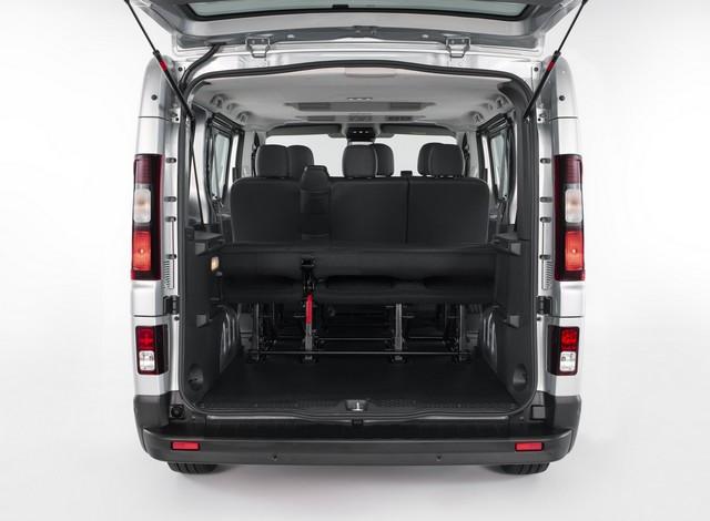 Le Nissan NV300 Combi Fait Peau Neuve New-NV300-Combi-Trunk-4-1200x881