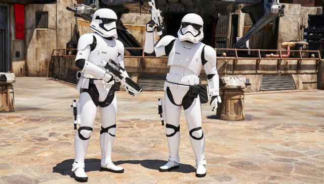[Disneyland Park] Star Wars: Galaxy's Edge (31 mai 2019) - Page 39 Xxx32