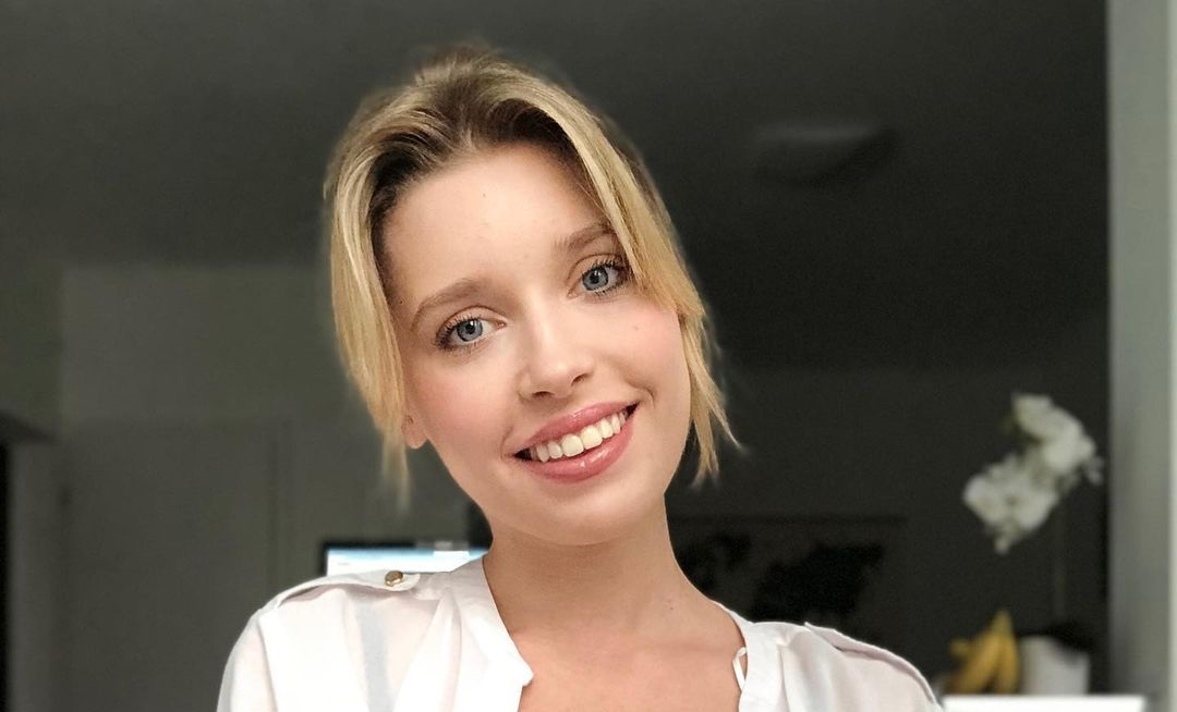 Freya-Mayer-Wallpapers-Insta-Fit-Bio-6