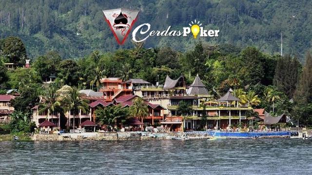 Wisata Halal Di Danau Toba Tak Batasi Kuliner Babi