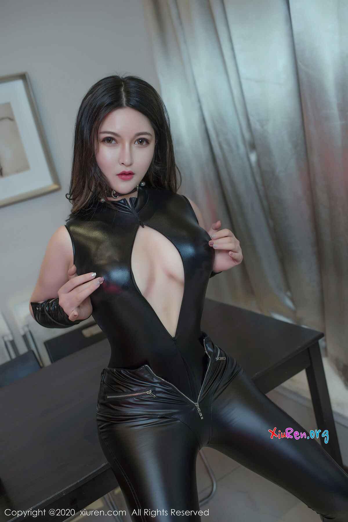 性感黑色緊身皮衣癢眼美照