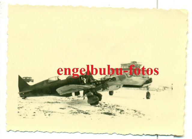 FOTO-36-IDiv-FLUGPLATZ-KALININ-FLUGZEUG