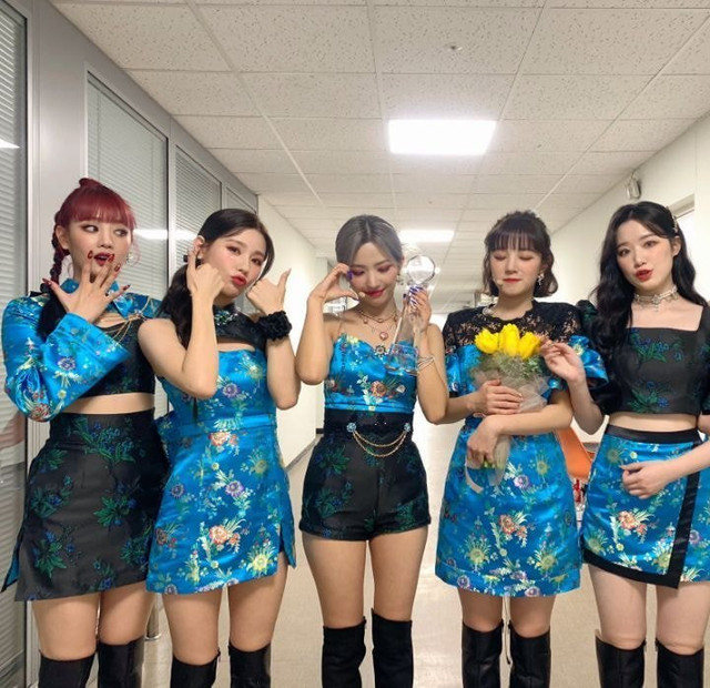 GI-DLEs-group-photos-when-Soojin-leaves-the-group-1