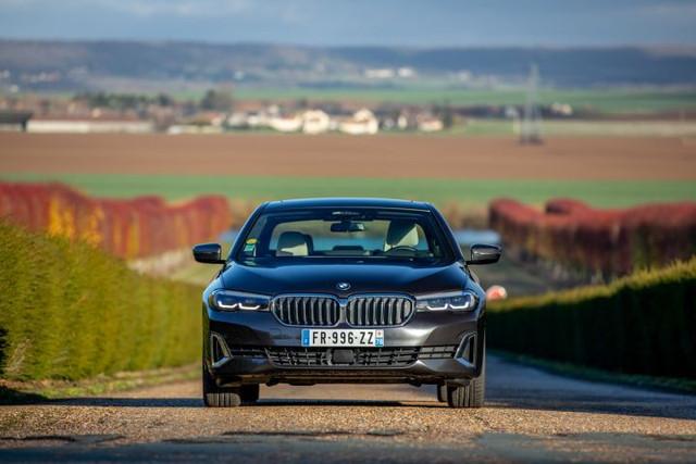 2020 - [BMW] Série 5 restylée [G30] - Page 11 DD099-AFA-2340-4999-A0-B2-AC5-D5585871-C