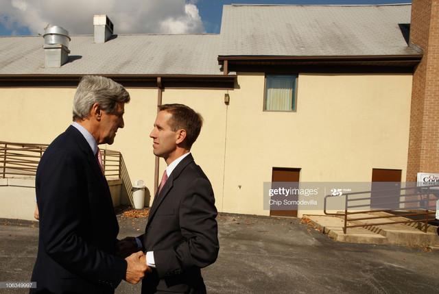 WILMINGTON-DE-OCTOBER-29-U-S-Sen-John-Kerry-D-MA-L-and-Delaware-Attorney-General-Beau-Biden-talk-aft.jpg