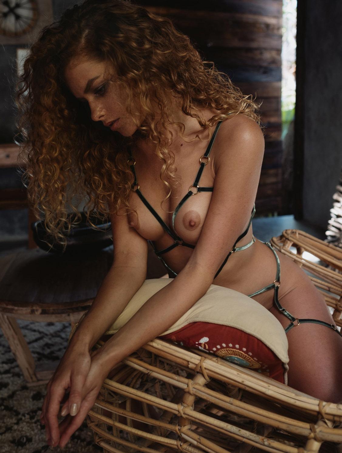 Юлия Ярошенко в сексуальном нижнем белье / фото 08