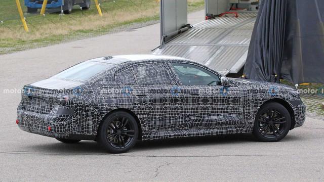 2023 - [BMW] Série 5 / M5 [G60 / G61] - Page 3 95-D1-AFA8-857-E-40-C3-9930-E8-C34-D21-AFF0