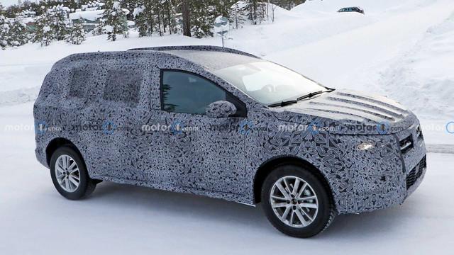 2022 - [Dacia] Jogger E2-D3-F400-E3-BF-404-D-8-F41-22672-EF45977