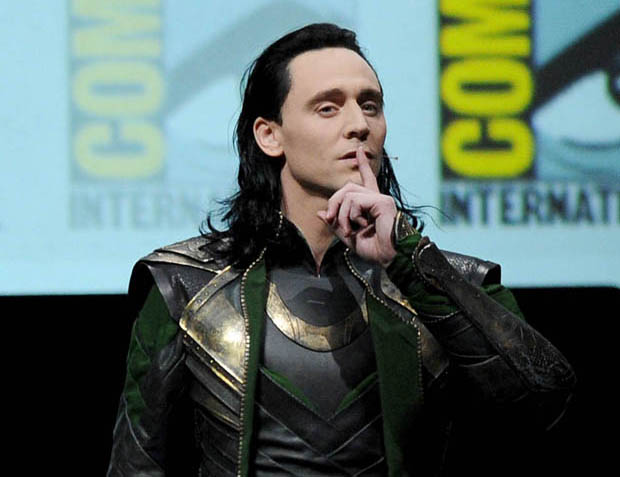 SAN-DIEGO-CA-JULY-20-Actor-Tom-Hiddleston-speaks-onstage-at-Marvel-Studios-Thor-The-Dark-World-and-C.jpg