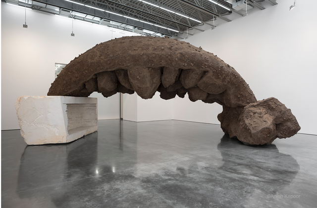 Anish-Kapoor-she-wolf.png