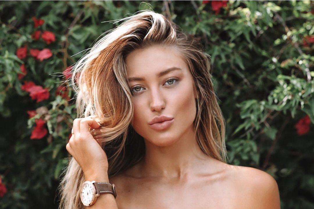Stefanie-Gurzanski-Wallpapers-Insta-Biography-1
