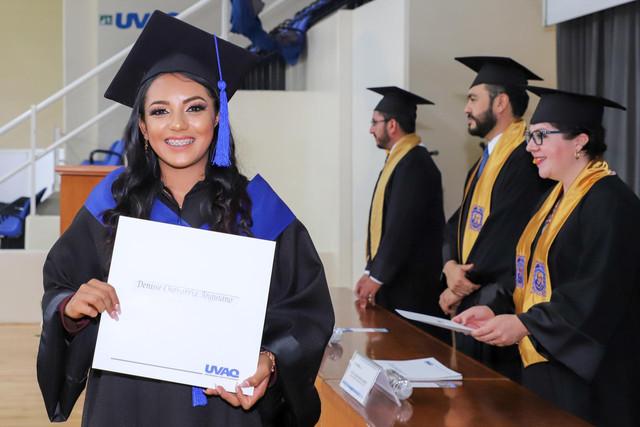 Graduacio-n-Gestio-n-Empresarial-32