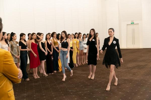 Hau-truong-Casting-Fashion-Show-top-60-Hoa-hau-Hoan-Vu-Viet-Nam-2019-12-640x480.jpg
