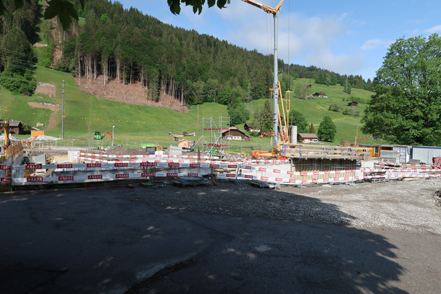 Construction télécabine 10 places Eggli (Gstaad BE) IMG-0526