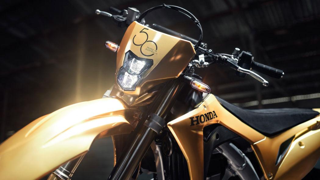 honda-australia-50th-anniversary-gold-1-4