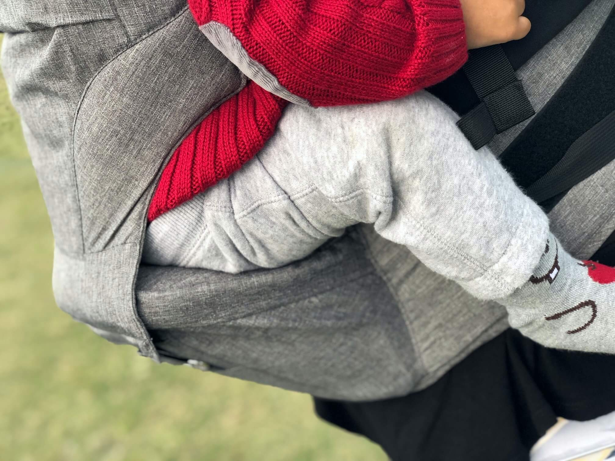 MOBY 2-in-1 Carrier + Hip Seat 3