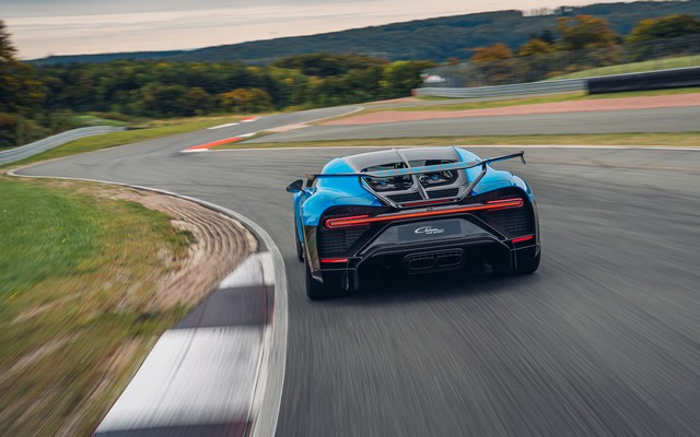 Premiers trajets en Bugatti Chiron Pur Sport 51-05-pur-sport-first-drives-bleu-agile