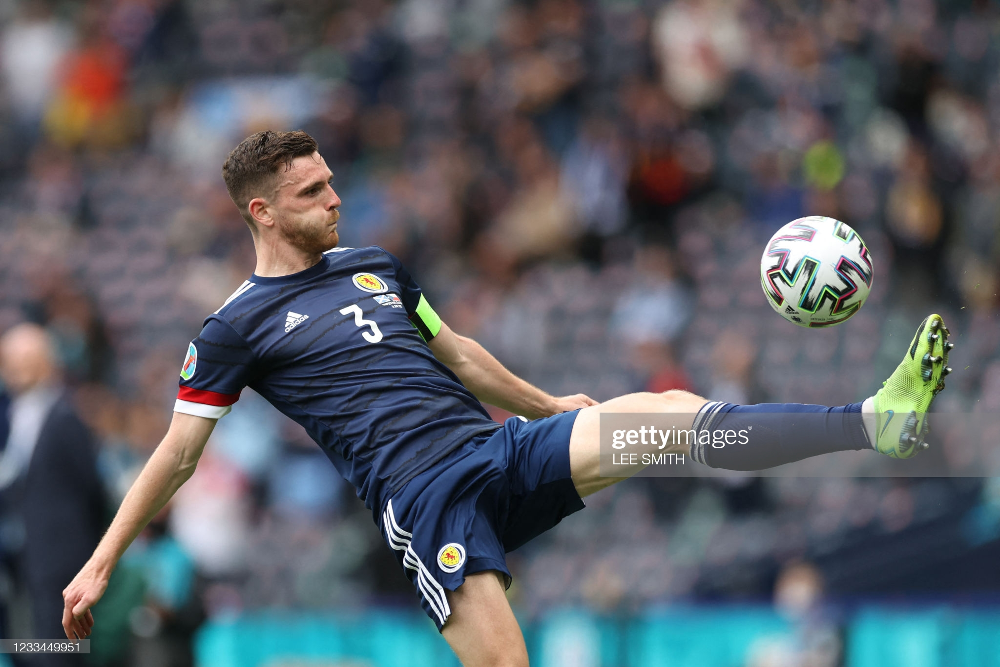 [Image: Scotland-s-defender-Andrew-Robertson-kic...-match.jpg]