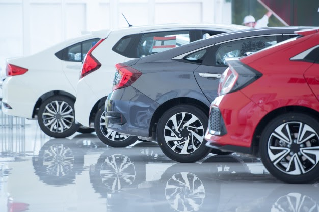 white-floor-new-car-parking-new-car-pictures-showroom-park-show-waiting-sales-branch-dealers-new-car